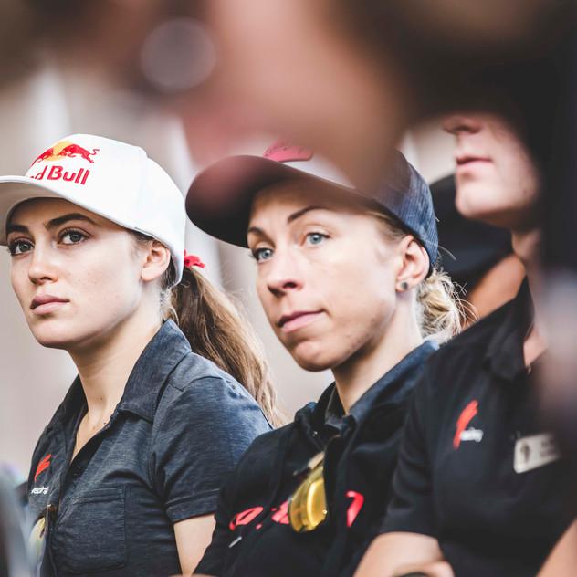 Team Specialized, Annika Langvad and Kate Courtney - Credit _EwaldSadie