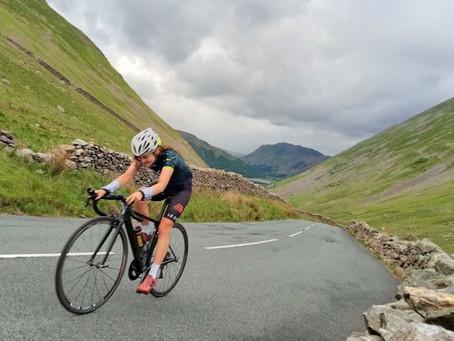 Hannah Rhodes sets new Everesting record