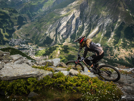 Snapshot: A View of Women's Mountain Biking From Female Racers & the Industry - Pinkbike