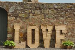 Dukes - love sign Iona and Callum