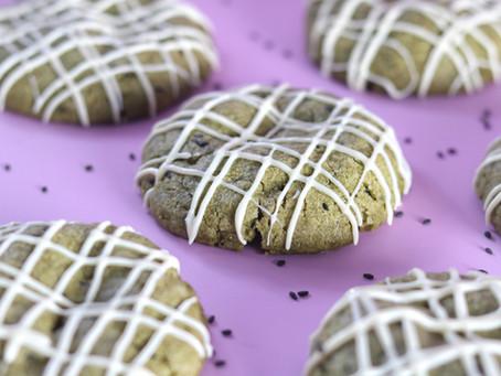 עוגיות מאצ׳ה, שומשום שחור ושוקולד לבן