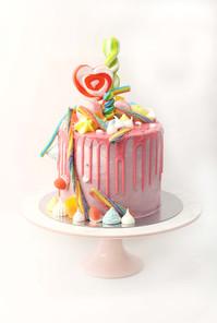 עוגת דריפ ממתקים