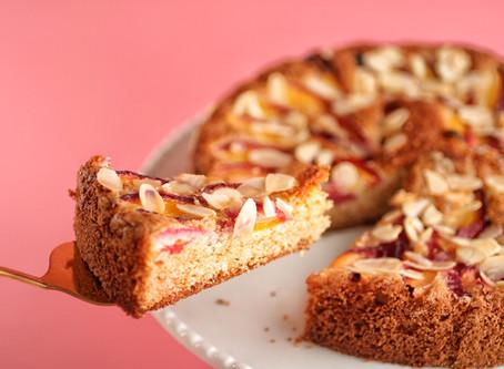 עוגת נקטרינות ושקדים