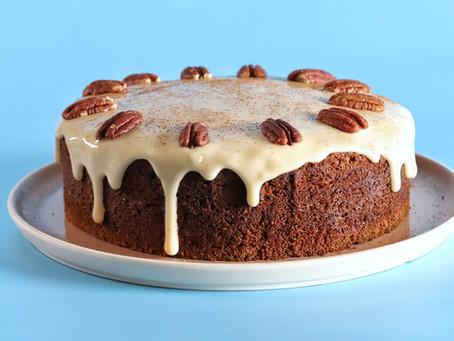 עוגת גזר עם פקאנים וגלייז מייפל