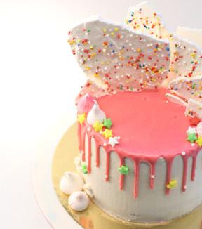 עוגת דריפ ורוד, מרנג וסוכריות