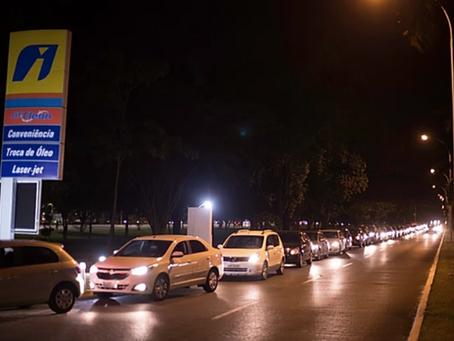Greve dos caminhoneiros gera correria aos postos de gasolina