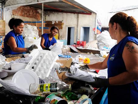 Começa a vacinação para catadores de material reciclável