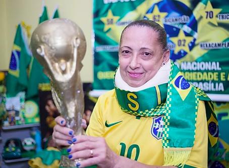 """Torcedora número 1 da Seleção Brasileira, Marilza """"do Brasil"""""""