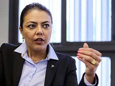 'Leila do Vôlei' é a primeira mulher eleita senadora do Distrito Federal