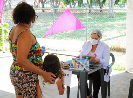 Crianças menores de cinco anos precisam ser vacinadas contra a poliomielite