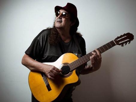 Cantor Moraes Moreira morre de infarto, aos 72 anos