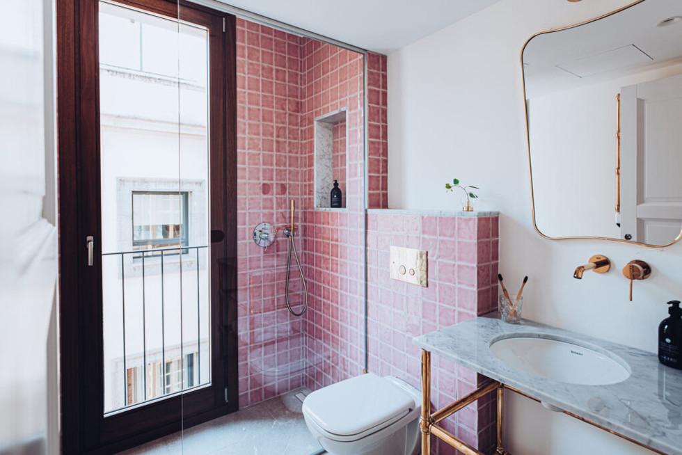 deluxe_bathroom_01-1024x683.jpg