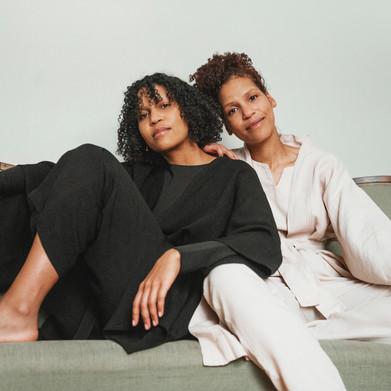 Naomi ja Wanda Holopainen auttavat yrityksiä markkinoimaan ja toimimaan yhdenvertaisemmin