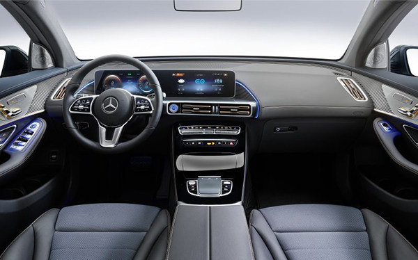 Mercedes_EQC_interior_overview.jpg