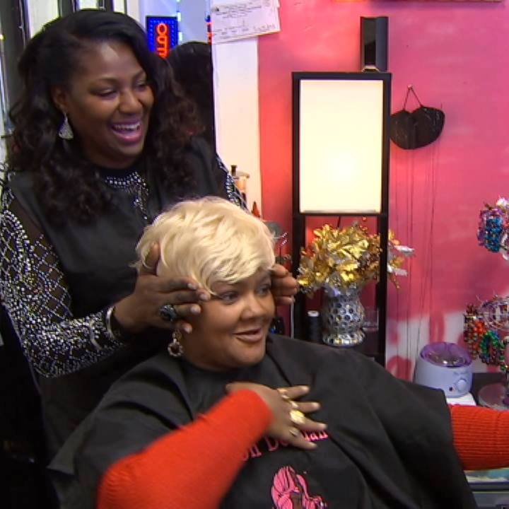 Hairstylist Empowers Women Fighting Cancer