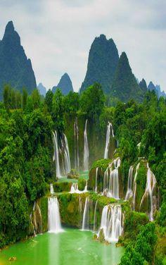 ae33ca01c27e2e7b4becd9990a104972--north-vietnam-hanoi