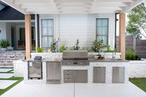 Bringing Your Dream Kitchen Outside