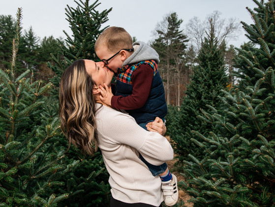 Holiday Event at the Tree Farm | Maine and New Hampshire Family Photographer