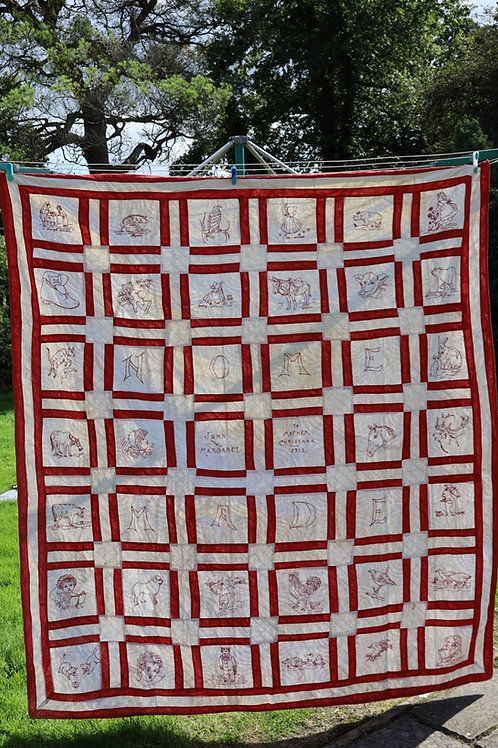 Stunning hand stitched Christmas quilt from Wales