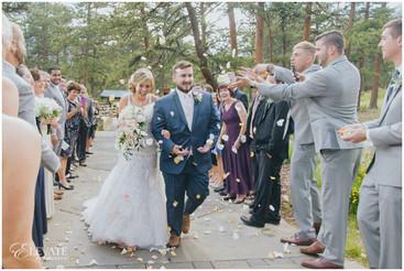 della-terra-mountain-chateau-wedding-photos-elevate-photography-35.jpg