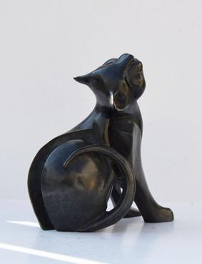 Petit chat noir - Profil droit