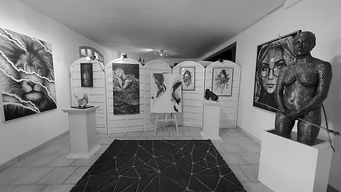 Showroom 16-9 B&W.jpg