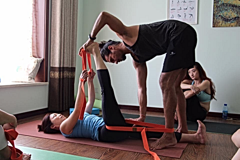 Taller de Yoga Restaurativo y Terapéutico