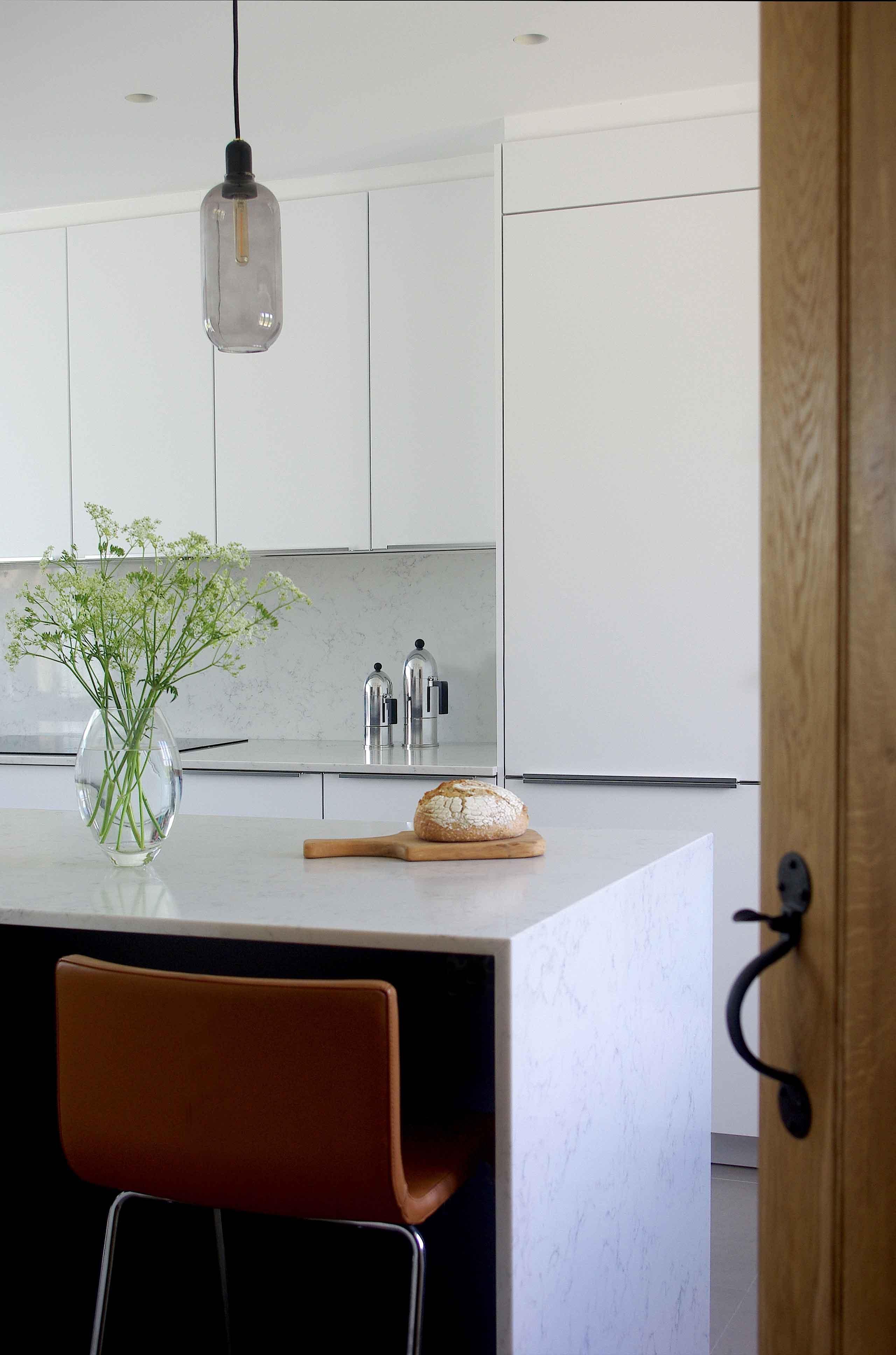 Hall-to-Kitchen