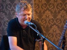 Marc Van Renne aka Amazing Bear Van Piaf tot Randy Newman