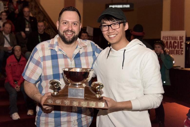 Gagnant de la compétition de coupe à une main Association canadienne de magie