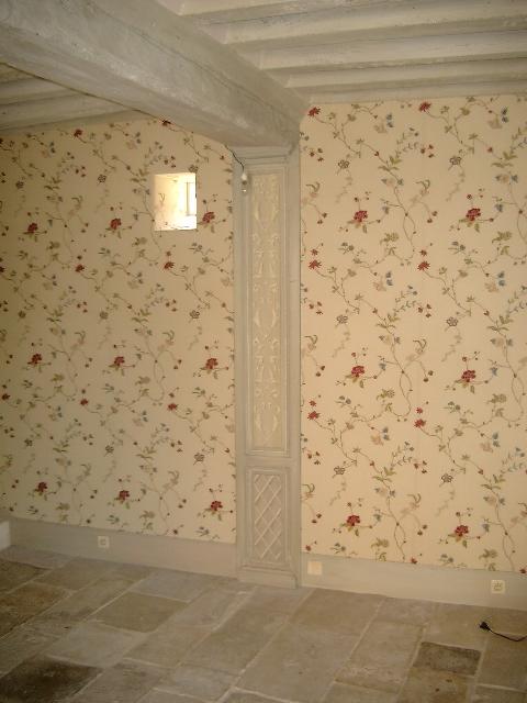 tapisserie et bois peints