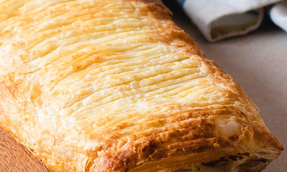Folhado de Palmito ou Frango com creme de queijo