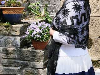 *商品のご紹介* エドワーディアンの黒いショール チュールレースにシルク刺繍、結婚式などにいかが?