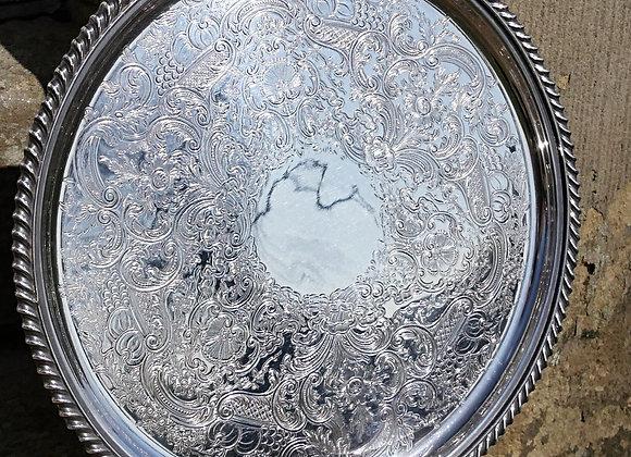 Sold *送料無料* デコラティブなシルバープレート トレイ(お盆) ガドルーン装飾 チェイシング