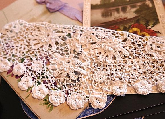 Sold *送料無料*  アイリッシュクロッシェレース 繊細な手刺繍が美しい 淑女のカフス(一枚のみ)