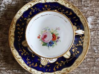 コバルト色が美しい、コールポート製 19世紀初期のカップ&ソーサー二客組セットのご紹介