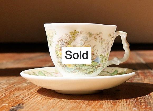 Sold *送料無料* ミニチュア カップアンドソーサー ロイヤルドルトン ブランブリーヘッジ 春