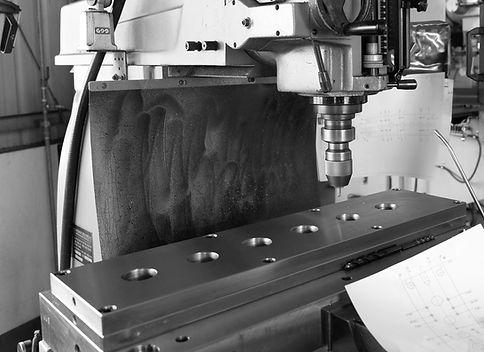 Mass Production-Manufacturing wzornictwo przemysłowe 量產