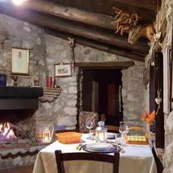 baita interni tavola