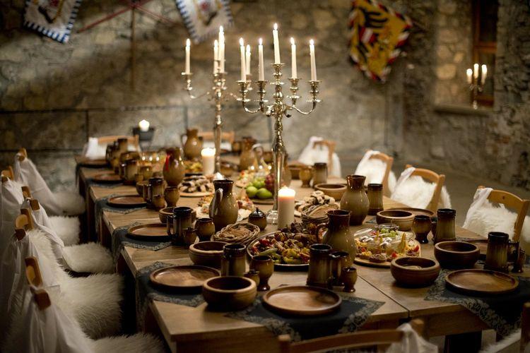 Una-mesa-medieval