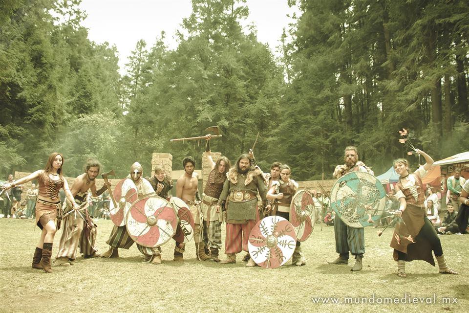 Espectáculo de combate vikingo