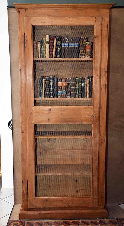 Libreria in abete restaurata