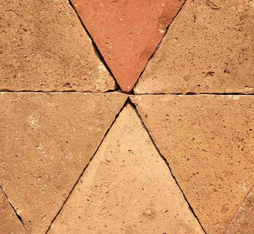 Cotto triangolare L26