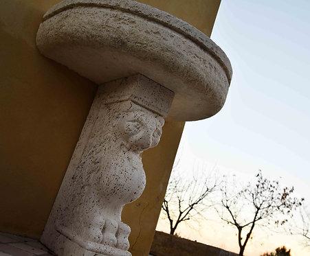 Fontana a muro in pietra bianca FON 109