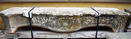 Frontone camino in pietra FRON001
