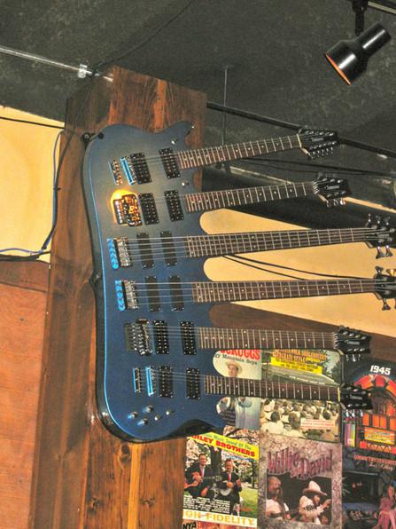 6-neck-guitar.jpg