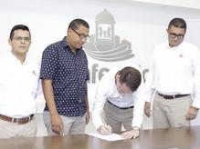Comfenalco y la Fundación Limitados Visuales de Colombia firman convenio de cooperación
