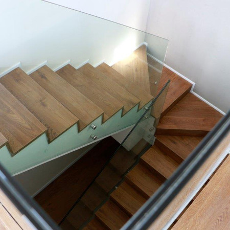 מדרגות מקומה 6