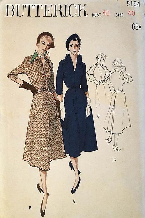 Butterick 5194. Retro 1950 dress. Deep V Neckline. Raglan sleeves.