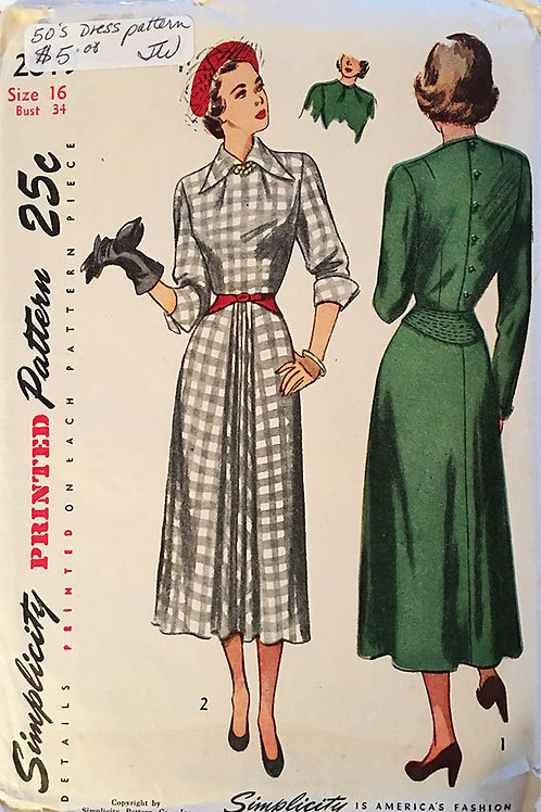 Simplicity 2619. Retro 1940s dresses with wing collar, topstitching